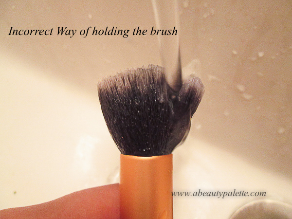 How to Clean Makeup Brushes Effectively