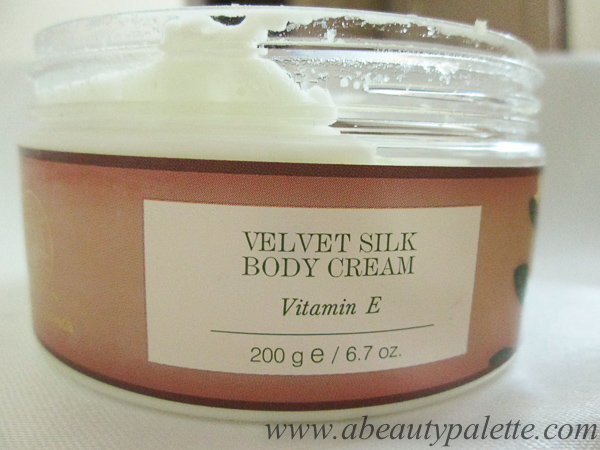 Forest Essentials Velvet Silk Body Cream Vitamin E 9