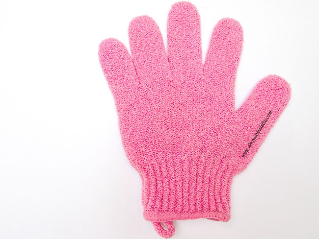 The Body Shop Exfoliating Bath Gloves review