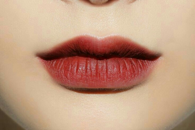 How to wear red lipstick 3
