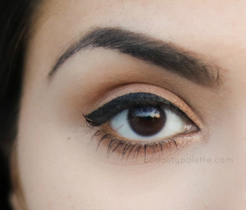 Beyu Deep Black Eyeliner : Waterproof - Swatch (I'm not wearing any mascara on top lid)
